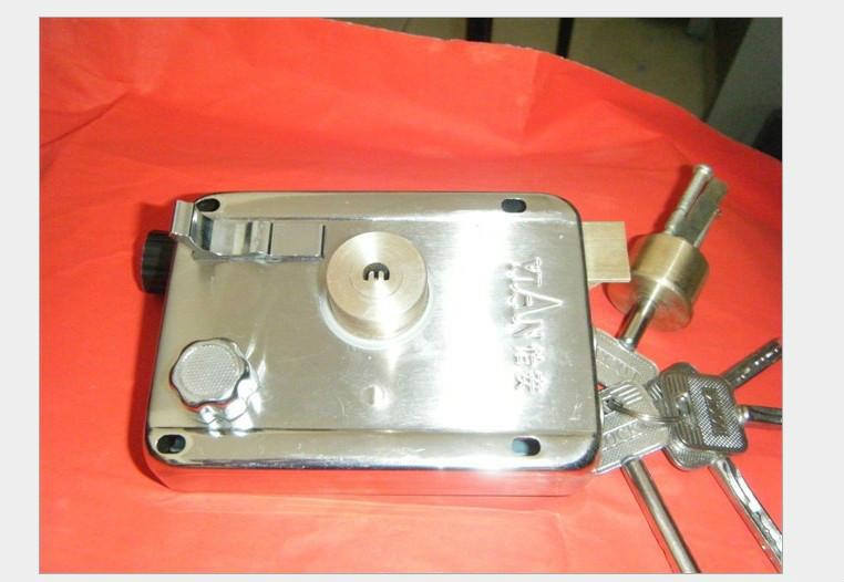 2.0拉丝不锈钢外装门锁